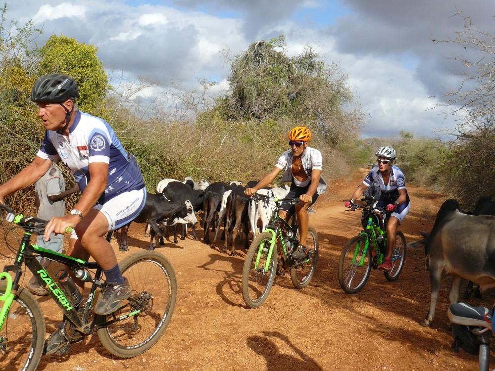 fietsreportage Tanzania goede doelen