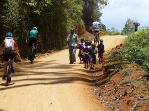 goede doelen fietssafari Tanzania